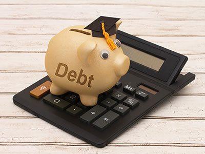 Lending to students: who profits?